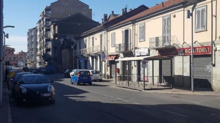 NICHELINO - Commercio in crisi, chiudono altri negozi in via Torino
