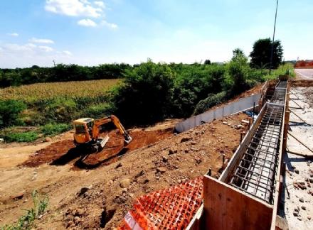 RIVALTA - Quasi finiti i lavori del sottopasso ciclabile di via San Luigi