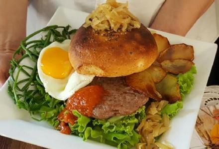Carmagnola - Parlapà che hamburger. Dopo il