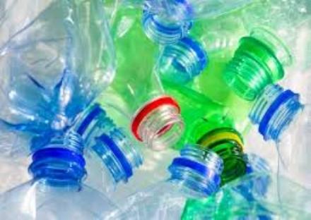 CINTURA - La plastica da imballaggio si conferisce allecocentro