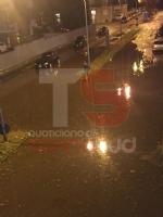 TROFARELLO - Bomba dacqua nella notte: il forte vento sradica il tetto di una casa - VIDEO - immagine 10