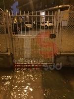 TROFARELLO - Bomba dacqua nella notte: il forte vento sradica il tetto di una casa - VIDEO - immagine 16