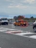 NICHELINO - Incidente stradale in via Debouchè: una persona ferita e traffico in tilt - FOTO - immagine 1