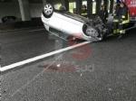 NICHELINO - Raffica di incidenti in tangenziale: unauto si ribalta, una persona ferita - immagine 1