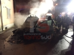 CARIGNANO - Auto prende fuoco allimprovviso durante la marcia - FOTO - immagine 1