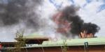 NICHELINO - Incendio al centro commerciale «I Viali»: evacuato il personale e i clienti - FOTO - immagine 1