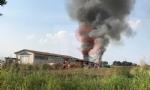 VINOVO - Incendio in unazienda agricola: a fuoco un magazzino di stoccaggio - FOTO - immagine 5
