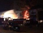 MONCALIERI - Grave incendio nella notte nel deposito di gomme di strada Carignano - LE FOTO - - immagine 1