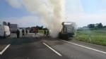 TANGENZIALE SUD - Camion prende fuoco durante la marcia - FOTO - immagine 1