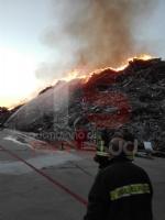 PIOSSASCO - Timore per i fumi tossici in arrivo da Frossasco per un incendio - immagine 2