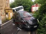 PIOSSASCO - Scuolabus va a sbattere contro un muro: due bambini feriti - FOTO - immagine 2