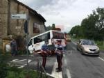 PIOSSASCO - Scuolabus va a sbattere contro un muro: due bambini feriti - FOTO - immagine 1