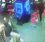 NICHELINO - Pensionata vince al Bingo e viene massacrata di botte sotto casa per rapina: due arresti - VIDEO - immagine 1