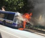 MONCALIERI - Un altro pullman Gtt prende fuoco al capolinea: provvidenziale intervento dei vigili del fuoco - FOTO - immagine 7