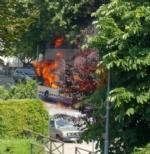 MONCALIERI - Un altro pullman Gtt prende fuoco al capolinea: provvidenziale intervento dei vigili del fuoco - FOTO - immagine 1