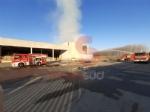 CANDIOLO - Maxi incendio nellex mattatoio al confine con None - immagine 1