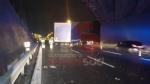 BEINASCO - Camion si schianta sulla tangenziale di Torino: autista ferito - FOTO - immagine 1