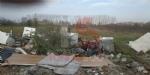 ORBASSANO - Lo scempio del campo nomadi abusivo accanto alla provinciale - LE FOTO - - immagine 1