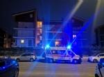 TRAGEDIA ASSURDA A PIOSSASCO - OMICIDIO-SUICIDIO IN UN ALLOGGIO: DUE PERSONE MORTE - FOTO - immagine 1