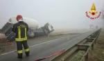 CARIGNANO - Brutto incidente tra un camion cisterna e unauto: due feriti - immagine 3