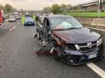 BEINASCO - Incidente in tangenziale, ferito il conducente di un camioncino dei rifiuti - immagine 1