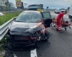 NICHELINO - Incidente stradale in via Debouchè: una persona ferita e traffico in tilt - FOTO - immagine 2