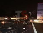 ORBASSANO - Caos in tangenziale: due tir si scontrano. Autotrasportatore finisce in ospedale - immagine 2