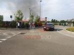 NICHELINO - Incendio al centro commerciale «I Viali»: evacuato il personale e i clienti - FOTO - immagine 2