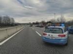 BEINASCO - Ragazza sbalzata sullasfalto dopo lincidente stradale sulla tangenziale di Torino - FOTO - immagine 2