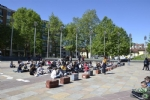 NICHELINO - Un flash-mob dei ragazzi della scuola media: solidarietà ai compagni armeni Lyana e Jury - FOTO - immagine 2