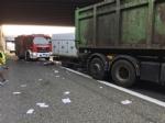 INCIDENTE SULLA TANGENZIALE - Scontro tra due camion al Sito, caos e code chilometriche - FOTO - immagine 2