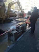 NICHELINO - Voragine nellasfalto provocata da una perdita dacqua in via Torino - immagine 2