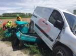 CARIGNANO - Spaventoso incidente tra furgone e Ape: tre feriti, una donna è gravissima - FOTO - immagine 2
