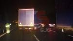BEINASCO - Camion si schianta sulla tangenziale di Torino: autista ferito - FOTO - immagine 2