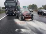 ORBASSANO - Incidente in tangenziale: due auto coinvolte, un ferito - immagine 3