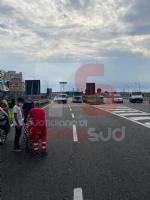 NICHELINO - Incidente stradale in via Debouchè: una persona ferita e traffico in tilt - FOTO - immagine 3