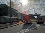 NICHELINO - Incendio al centro commerciale «I Viali»: evacuato il personale e i clienti - FOTO - immagine 3