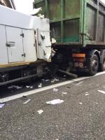 INCIDENTE SULLA TANGENZIALE - Scontro tra due camion al Sito, caos e code chilometriche - FOTO - immagine 3