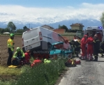 CARIGNANO - Spaventoso incidente tra furgone e Ape: tre feriti, una donna è gravissima - FOTO - immagine 3