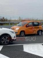 NICHELINO - Incidente stradale in via Debouchè: una persona ferita e traffico in tilt - FOTO - immagine 4
