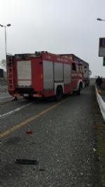 MONCALIERI - Brutto incidente in tangenziale: furgone si schianta contro un camion - FOTO - immagine 4