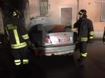 CARIGNANO - Auto prende fuoco allimprovviso durante la marcia - FOTO - immagine 4