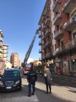 NICHELINO - Crollano calcinacci su una fermata dellautobus - FOTO e VIDEO - immagine 4