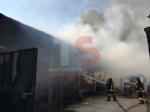 VINOVO - Incendio in unazienda agricola: a fuoco un magazzino di stoccaggio - FOTO - immagine 4