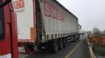 MONCALIERI - Brutto incidente in tangenziale: furgone si schianta contro un camion - FOTO - immagine 5