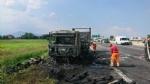 TANGENZIALE SUD - Camion prende fuoco durante la marcia - FOTO - immagine 5
