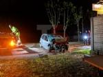 TRAGEDIA A PIOSSASCO - Muore a soli 27 anni ribaltandosi con lauto lungo la provinciale - FOTO - immagine 5