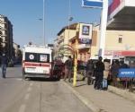 DRAMMA A CARMAGNOLA - AUTO FINISCE DENTRO LA PENSILINA DEL BUS, DONNA GRAVEMENTE FERITA - FOTO - immagine 5