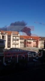 INCENDIO IN AZIENDA A SETTIMO - Enorme colonna di fumo nero su tutta Torino - FOTO - immagine 6