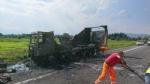 TANGENZIALE SUD - Camion prende fuoco durante la marcia - FOTO - immagine 7